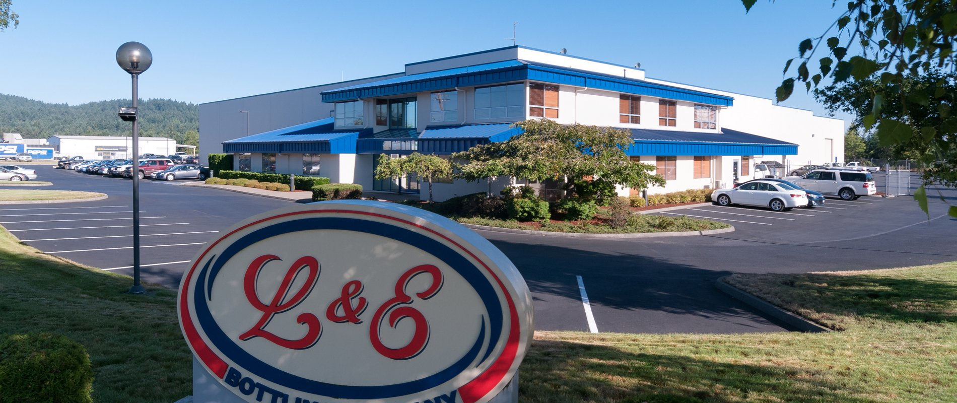 Berschauer Group building construction of L&E Bottling in Olympia WA